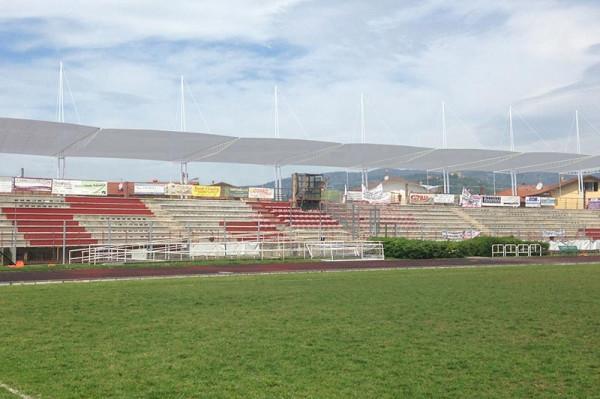 Copertura tribune dello stadio R. Strulli nel comune di Monsummano Terme